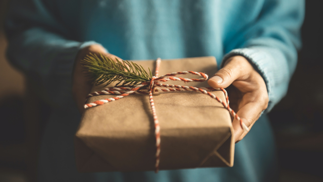 5 ways to give back to your community this Christmas
