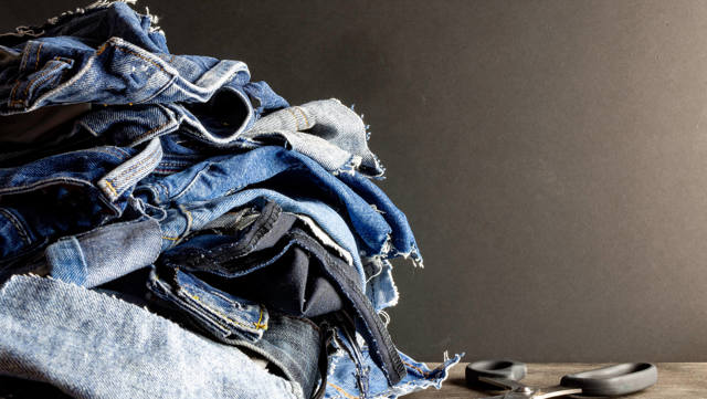 5 upcycling ideas for clothes that are too worn to wear