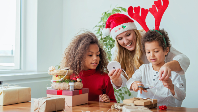 10 Christmas crafts and activities for kids